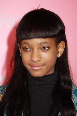 Willow-Smith-Hunger-Games-Catching-Fire-Premiere-250x375