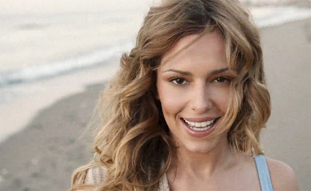 Cheryl-Cole-I-Dont-Care-Musikvideo