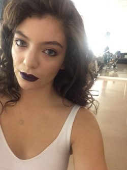 Lorde-KW-46-250x334