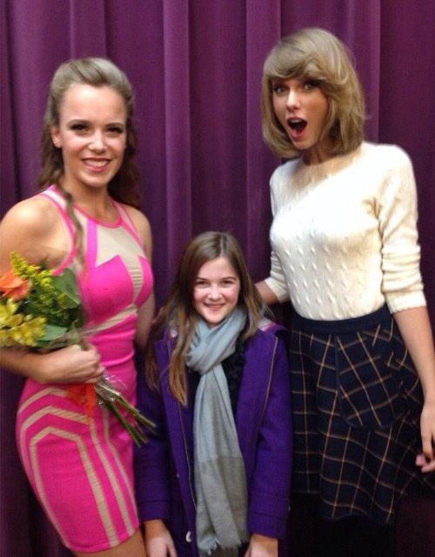 Taylor-Swift-Notre-Dame-College-7
