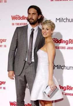 The-Wedding-Ringer-Premiere-Kaley-Cuoco-Ryan-Sweeting-5-250x364
