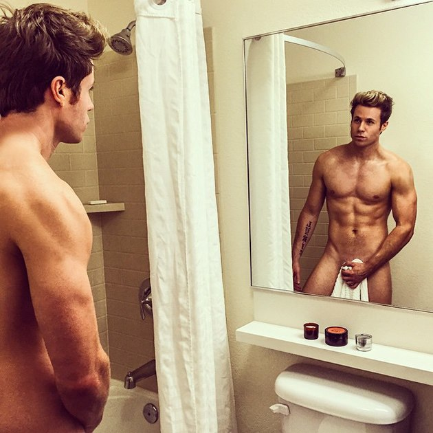 Ashley-Parker-Angel-Sexy-Nackt-sixpack-10