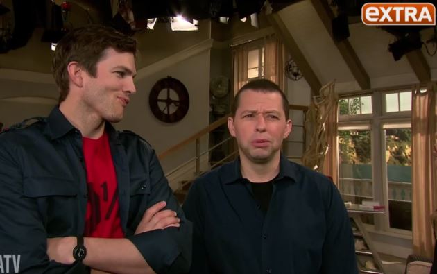 Ashton-Kutcher-Jon-Cryer-Two-and-a-Half-Men-Set-2