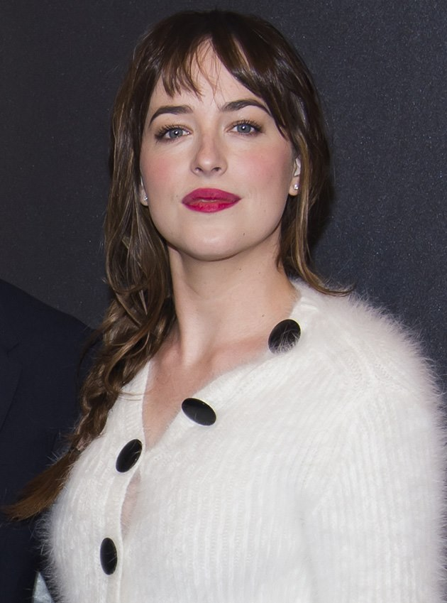Dakota-Johnson-Fifty-Shades-of-Grey-Fan-Screening-New-York