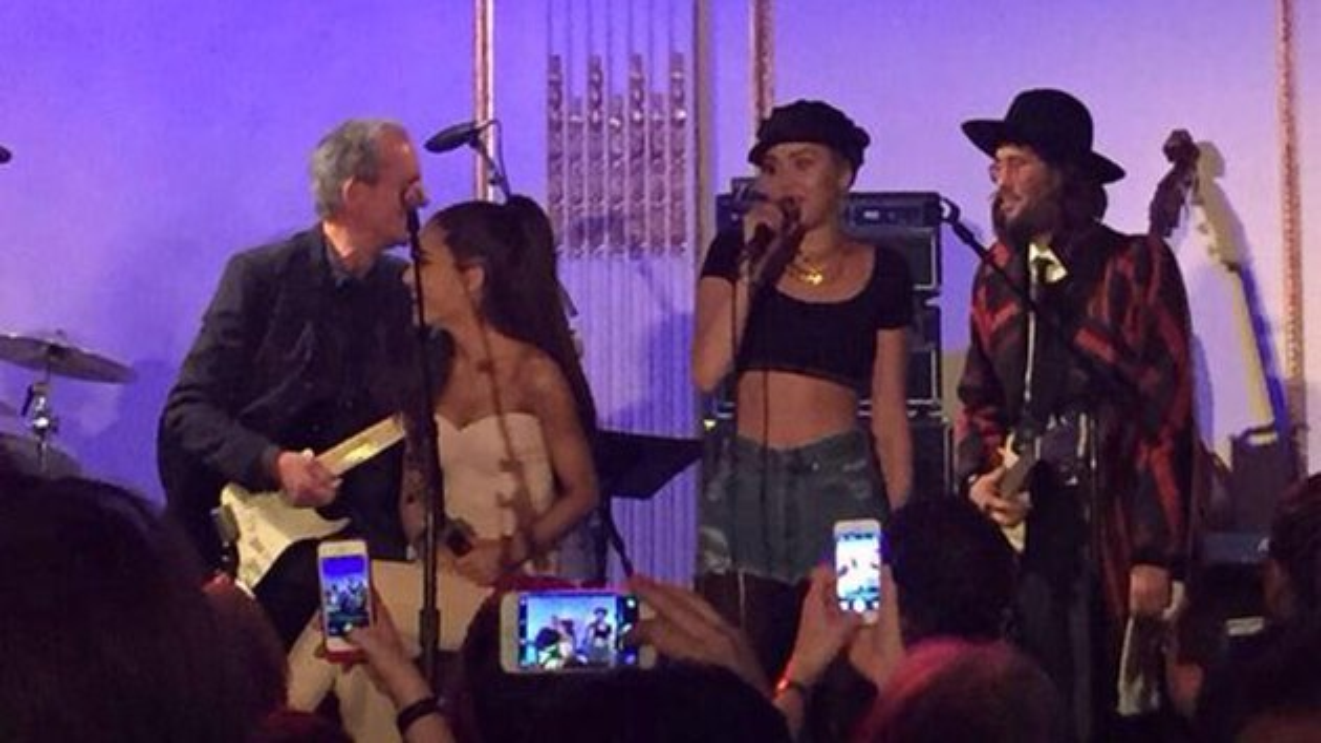 Miley-Cyrus-Ariana-Grande-Saturday-Night-Live