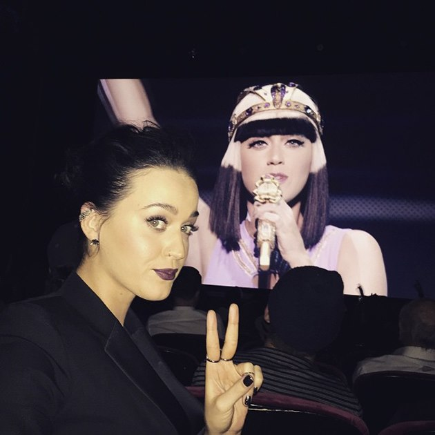 Katy-Perry-The-Prismatic-World-Tour-Screening-7