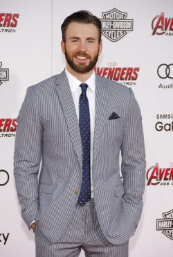 Chris-Evans-The-Avengers-Age-of-Ultron-Premiere-Los-Angeles-2-250x370