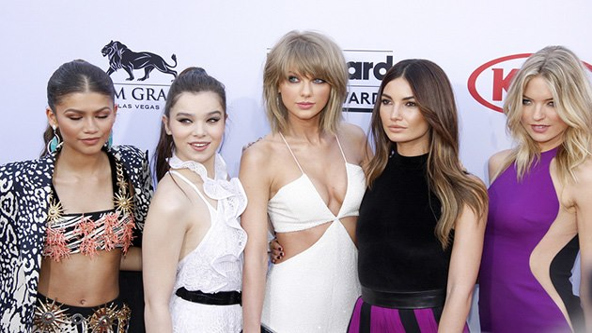Taylor-Swift-Zendaya-Hailee-Steinfeld-Billboard-Music-Awards-2015-3
