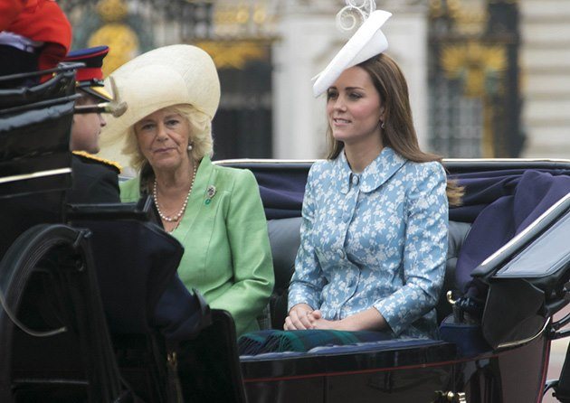 Trooping-of-the-Colour-Kate-Middleton-Prinz-Harry-Camilla