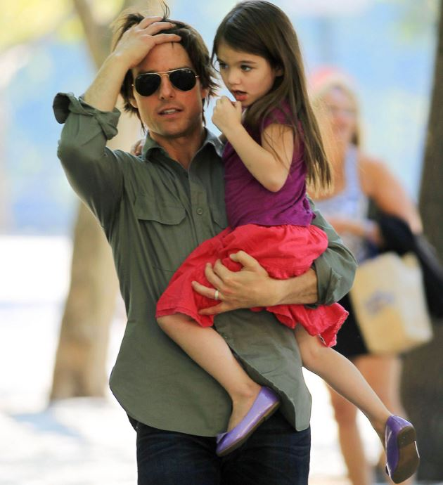 Suri Cruise dons cute outfit while out with Katie Holmes ...