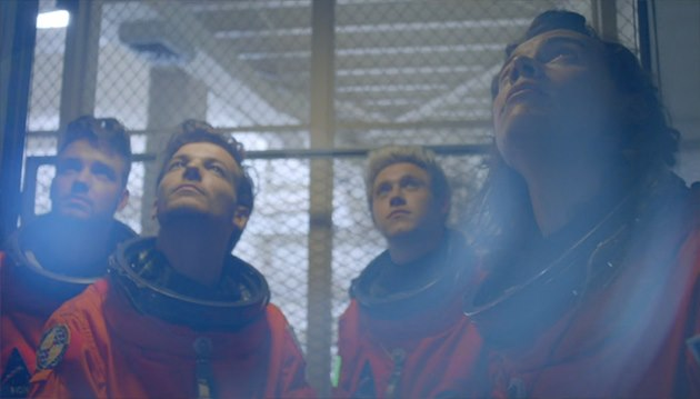 One-Direction-Drag-Me-Down-Musikvideo-2