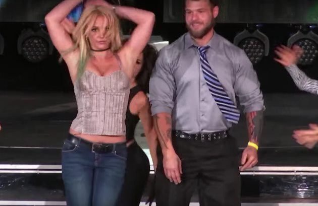 Britney-Spears-Best-Time-Ever-2