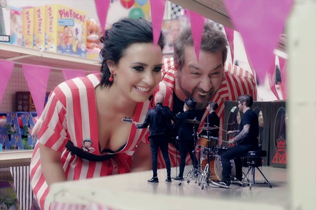 Fall-Out-Boy-Demi-Lovato-Irresistible-Musikvideo