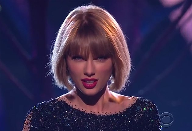 Taylor-Swift-Grammy-Awards-2016-Out-of-the-Woods