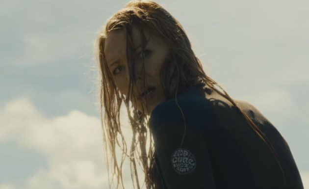 Blake-Lively-The-Shallows-Trailer
