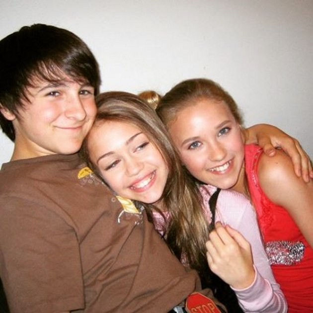 Hannah-Montana-Miley-Cyrus-Emily-Osment-Mitchel-Musso