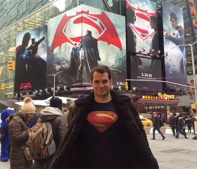 Henry-Cavill-Superman-Times-Square
