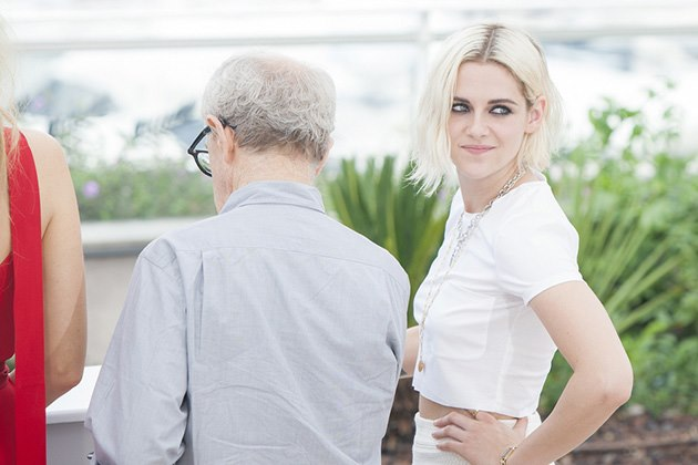 Kristen-Stewart-Cafe-Society-Photocall-Cannes-4