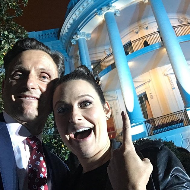 Scandal-White-House-Correspondents-Dinner-2016-Tony-Goldwyn-Katie-Lowes
