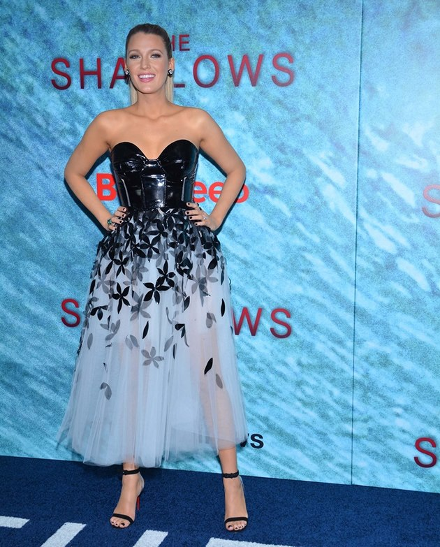 Blake-Lively-The-Shallows-Premiere-2
