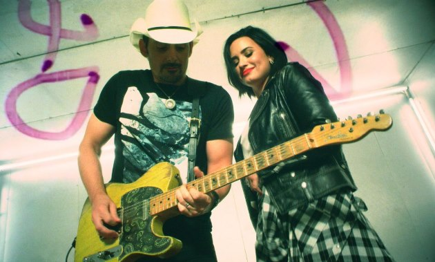 Demi-Lovato-Brad-Paisley-With-A-Fight-Musikvideo
