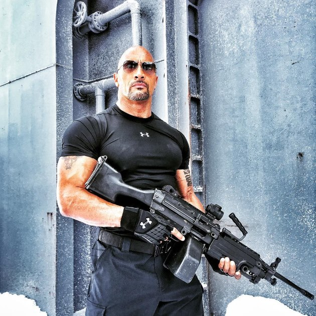 Dwayne-Johnson-The-Rock-Fast-and-Furious-8-Hobbs