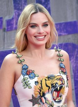 Margot-Robbie-Suicide-Squad-London-Premiere-2-250x340