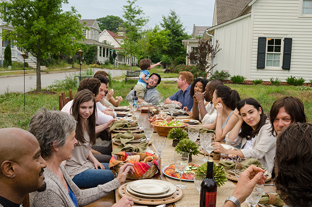 The-Walking-Dead-Staffel-7-Episode-1-Festessen