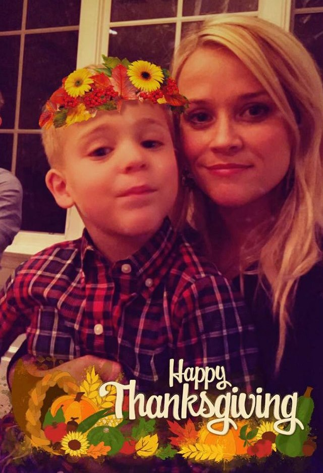 Reese-Witherspoon-Thanksgiving-Tennessee
