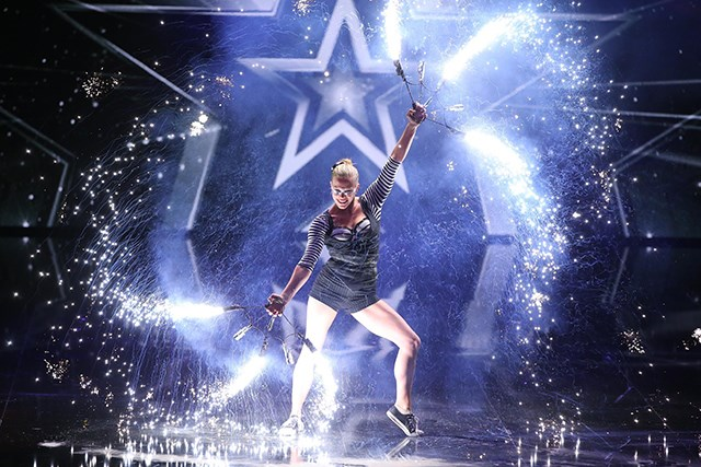Supertalent-2016-Stephanie-Hoeggerl