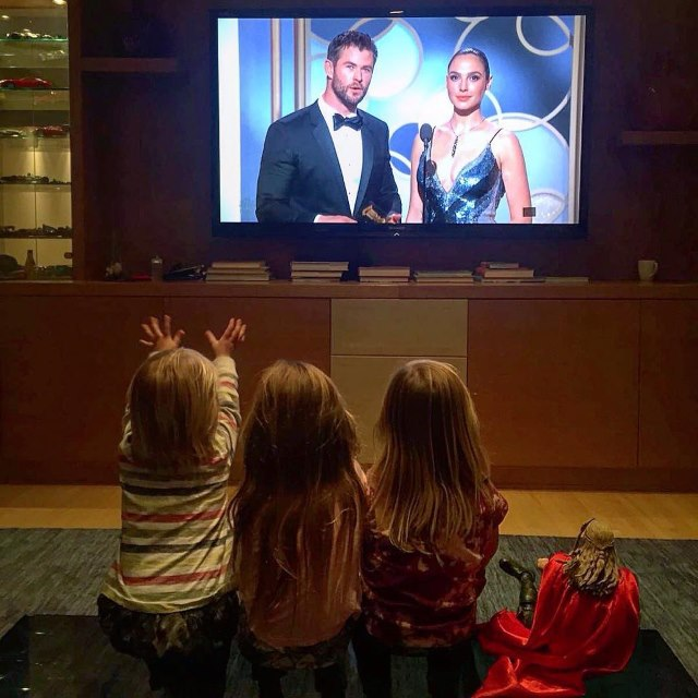 Chris-Hemsworth-Elsa-Pataky-Golden-Globes-Kinder