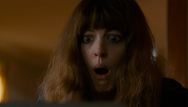 Anne-Hathaway-Colossal-Trailer