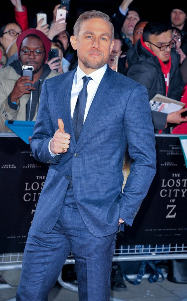 Charlie-Hunnam-Lost-City-of-Z-UK-Premiere-3