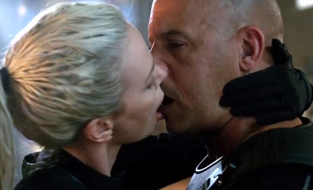 Charlize-Theron-Vin-Diesel-Kuss-The-Fate-of-the-Furious
