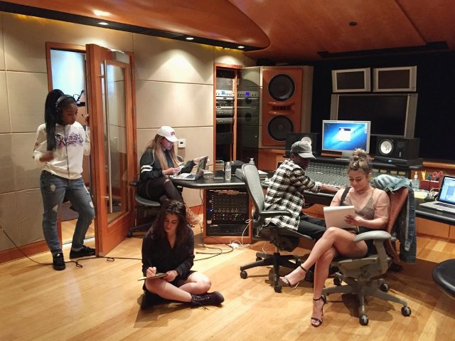 Fifth-Harmony-Tonstudio