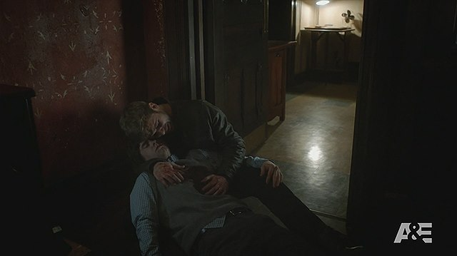 Bates-Motel-Finale-Norman-Freddie-Highmore-Dylan-Max-Theriot