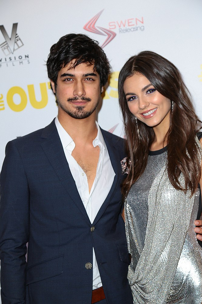Victoria-Justice-Avan-Jogia-The-Outcasts-Premiere-4-1