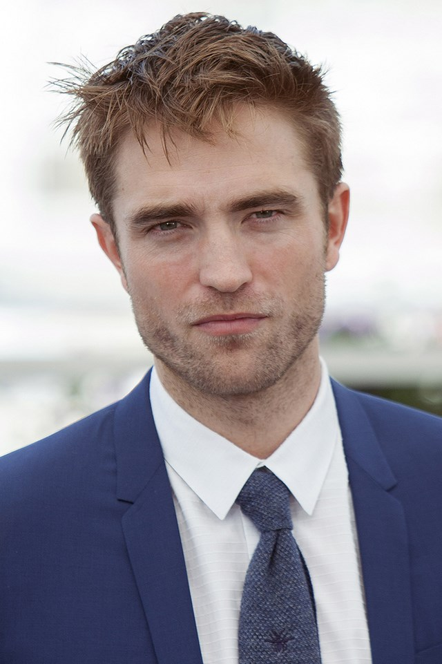 Robert-Pattinson-Good-Time-Photocall-Cannes-2