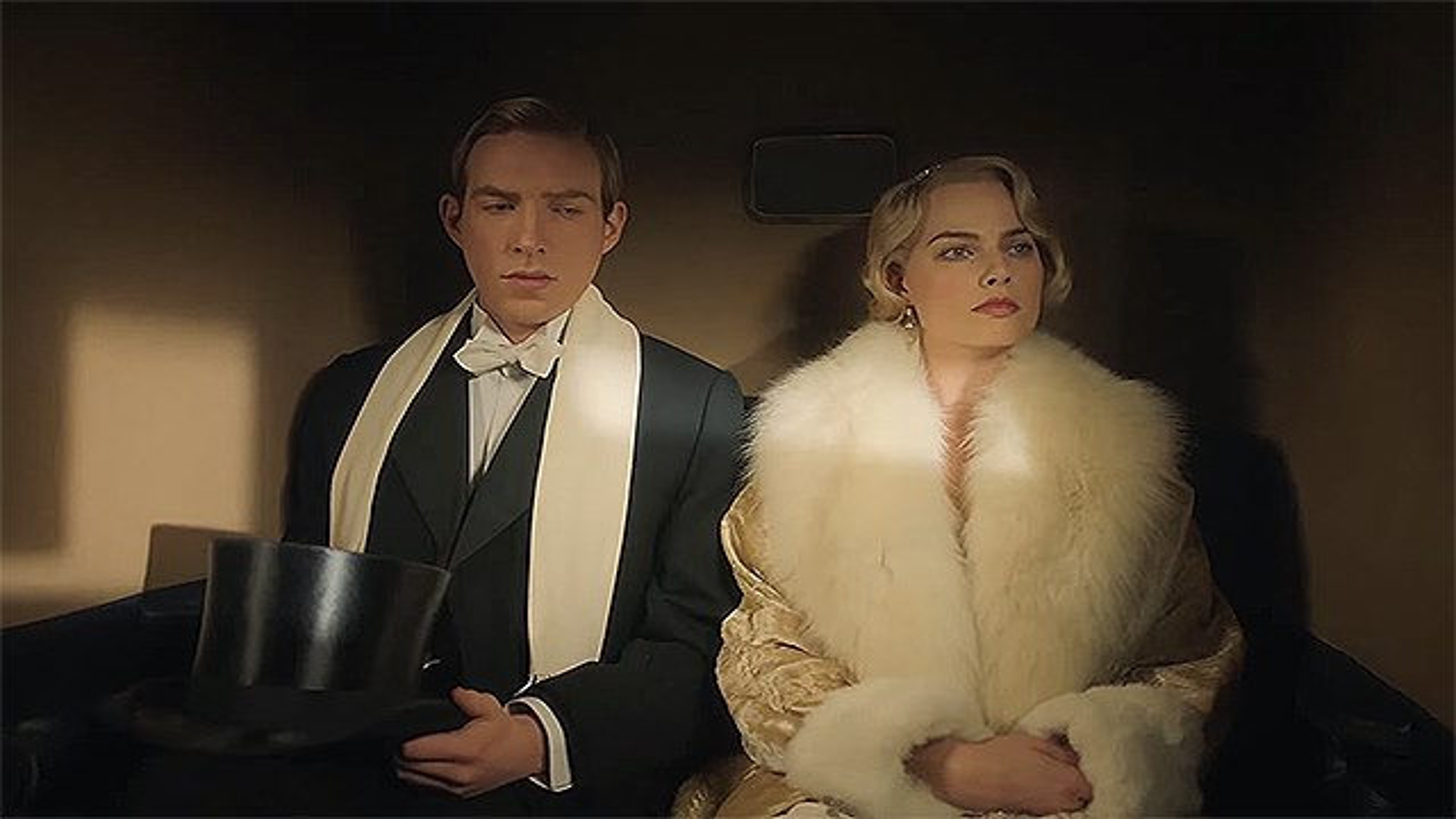 Margot-Robbie-Goodbye-Christopher-Robin-Trailer