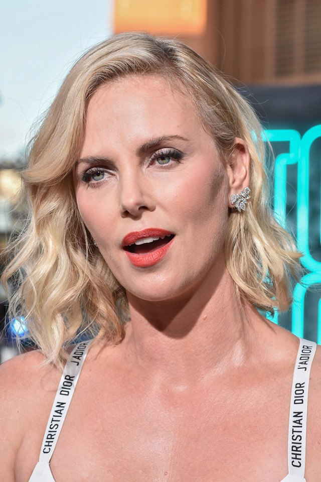 Atomic-Blonde-Premiere-Berlin-Charlize-Theron-4
