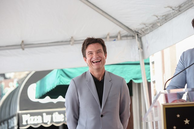 Jason-Bateman-Stern-Walk-of-Fame-2