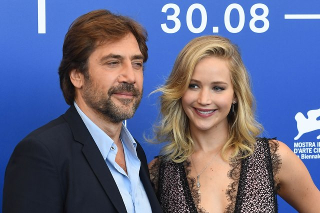 Jennifer-Lawrence-Javier-Bardem-Mother-Premiere