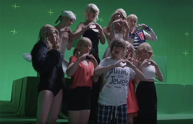 Taylor-Swift-Look-What-You-Made-Me-Do-Behind-The-Scenes