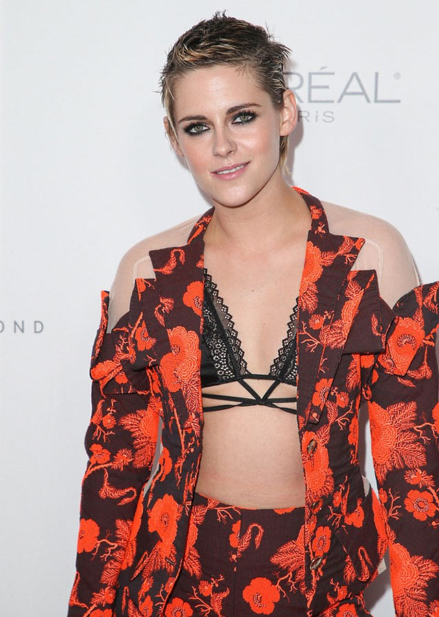 Kristen-Stewart-Elle-Women-Awards-2017-2