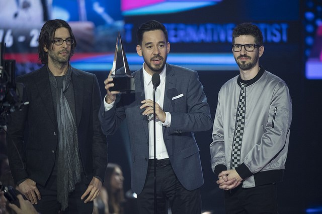 Linkin-Park-American-Music-Awards-2017-4