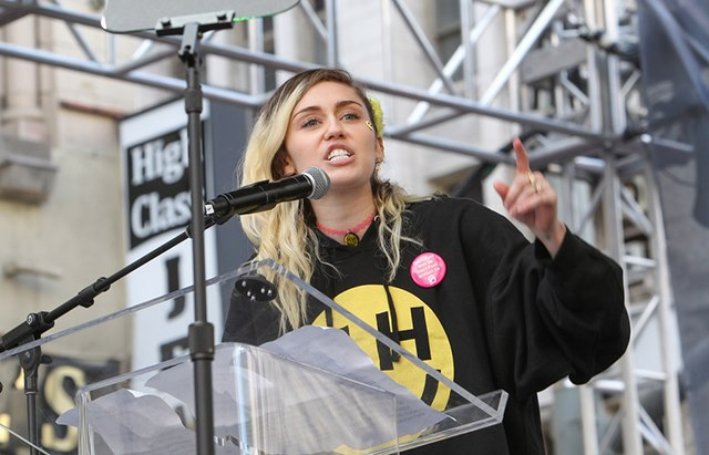 Miley-Cyrus-Womens-March