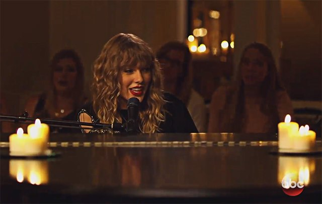 Taylor-Swift-New-Years-Day-Secret-Sessions