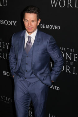 Mark-Wahlberg-All-the-Money-in-the-World-Premiere-250x375