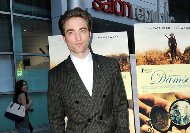 Robert-Pattinson-Damsel-Premiere